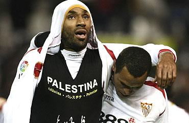 2-1. El Sevilla deja un buena imagen, aunque se complica la vida
