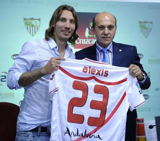 Nuevos fichajes sevillistas.Alexis y Martin Caceres.